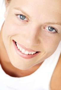 Tilfreds kvinde ansigt close-up